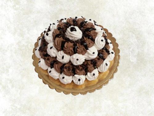 MERINGATA (no glutine) - Base di meringa guarnita con panna aromatizzata al cioccolato, o fragola o frutti di bosco