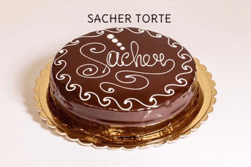 SACHER TORTE - Base di pan di spagna al cioccolato con farcitura di marmellata di albicocche, rivestita con una ganache al cioccolato