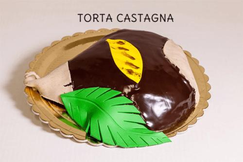TORTA CASTAGNA - Base di pan di spagna con farcitura di chantilly alle castagne, rivestita con una ganache al cioccolato
